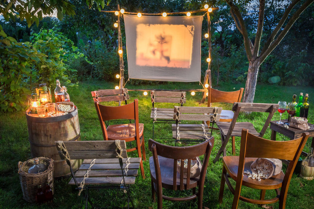 Perfect Backyard Movie Night 1600x1067