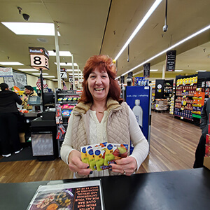 $500 gift card winner Kimberly Roe from store 692 Valley Cottage, NY